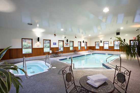 Hotel photography pool spa