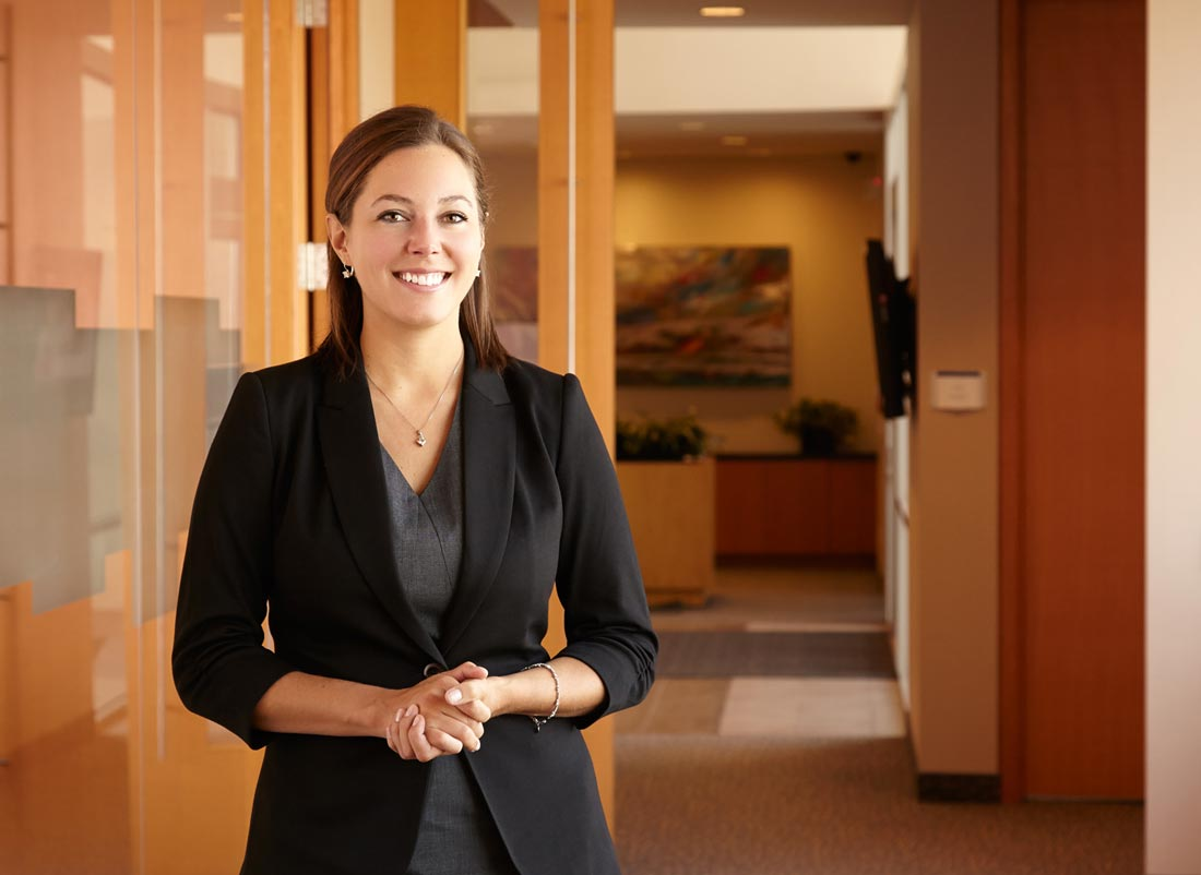 Environmental portrait photography on location at workplace - Office portrait photography ...